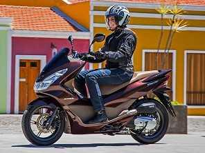 Mercado de motocicletas fecha abril com queda expressiva nas vendas