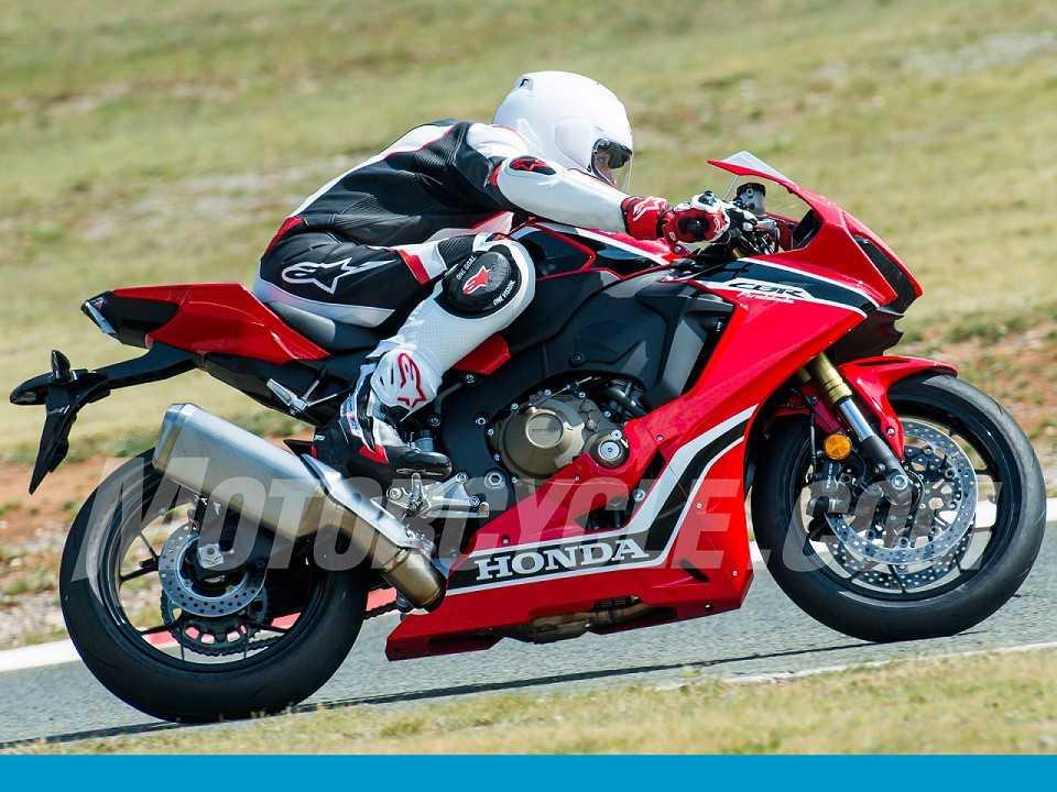 A nova Honda CBR 1000RR é flagrada num circuito na Europa: superesportiva virá cheia de eletrônica embarcada