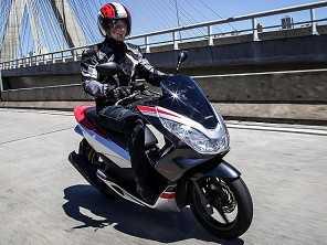 Honda PCX Sport chega nas lojas por R$ 11.000