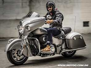Indian Chieftain e Roadmaster 2017 ganham central multimídia