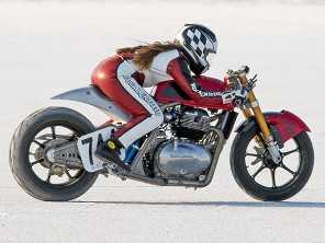 Modelo customizado da Royal Enfield supera 252 km/h em Bonneville