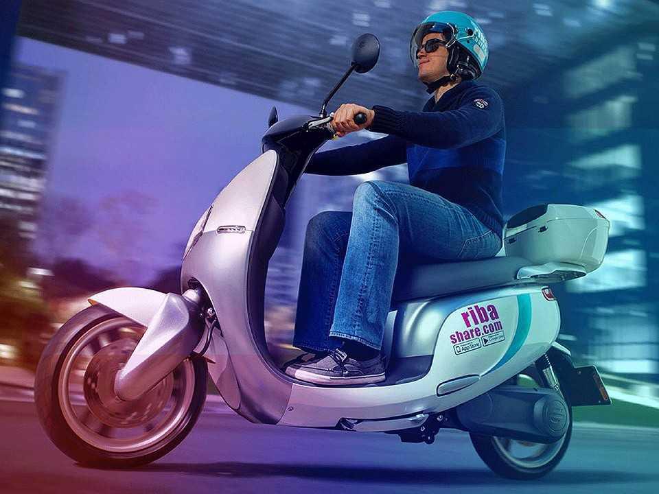 Scooter el�©trica utilizada pela Riba Share