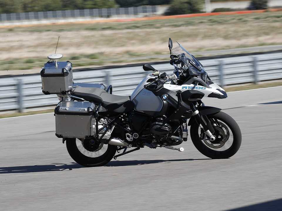 Conceito da BMW baseado em uma R 1200 GS capaz de rodar sem interven�§�£o humana