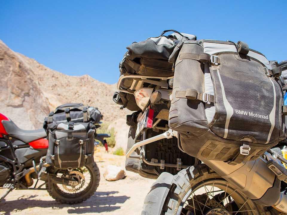 Moto BMW equipada com os Atacama Cases