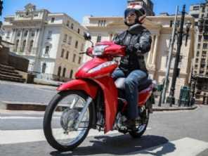 Número de mulheres motociclistas quase dobrou na última década