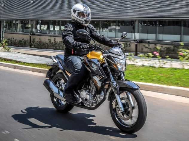Teste: Honda CB Twister 2020