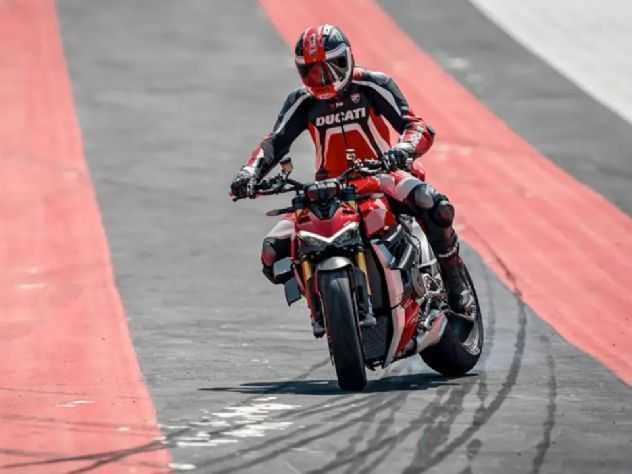 Ducati Streetfighter V2 deve chegar em breve, diz executivo