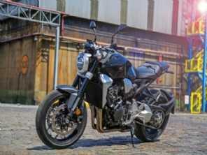 Honda CB 1000R chega por R$ 58.690