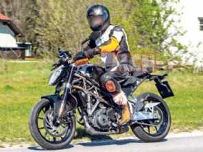 KTM prepara 390 Duke para levar garupa