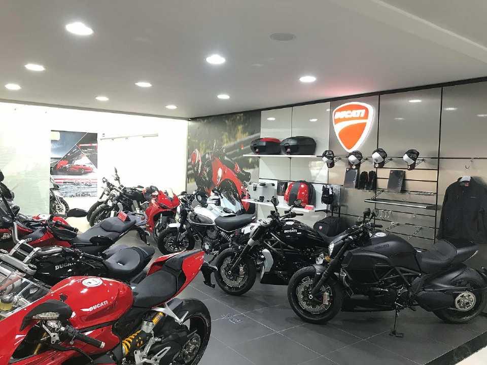 Showroom da concessionária Audi-Ducati em Campo Grande (MS)