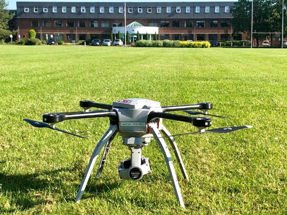 Drone ajuda polícia da Inglaterra a identificar motociclistas infratores