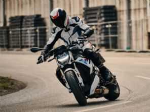BMW renova a S 1000 R com visual menos polêmico