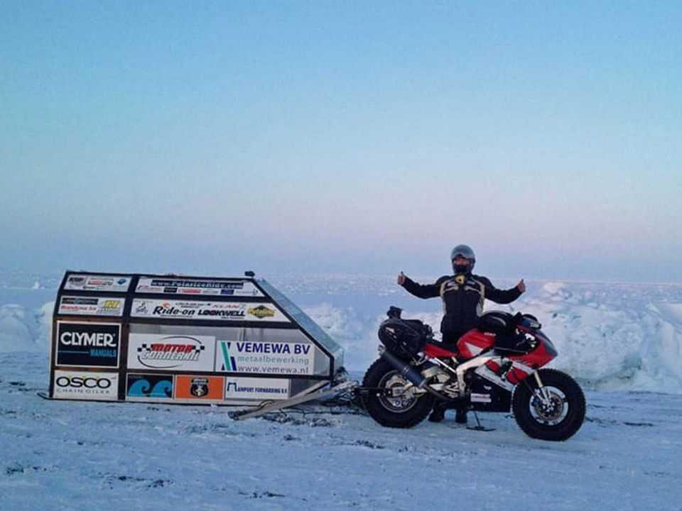 Sjaak Lucassen e sua Yamaha R1