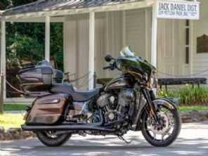 Indian revela mais uma moto em parceria com a Jack Daniel's