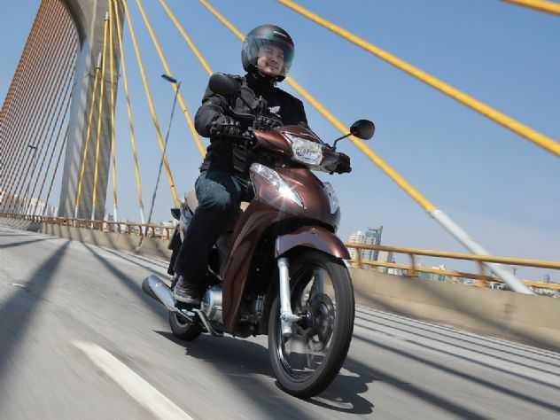 Honda Biz 2021 chega ao mercado com nova opção de cor