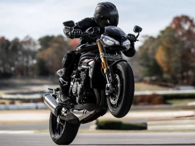 Nova Triumph Speed Triple 1200 RS é lançada