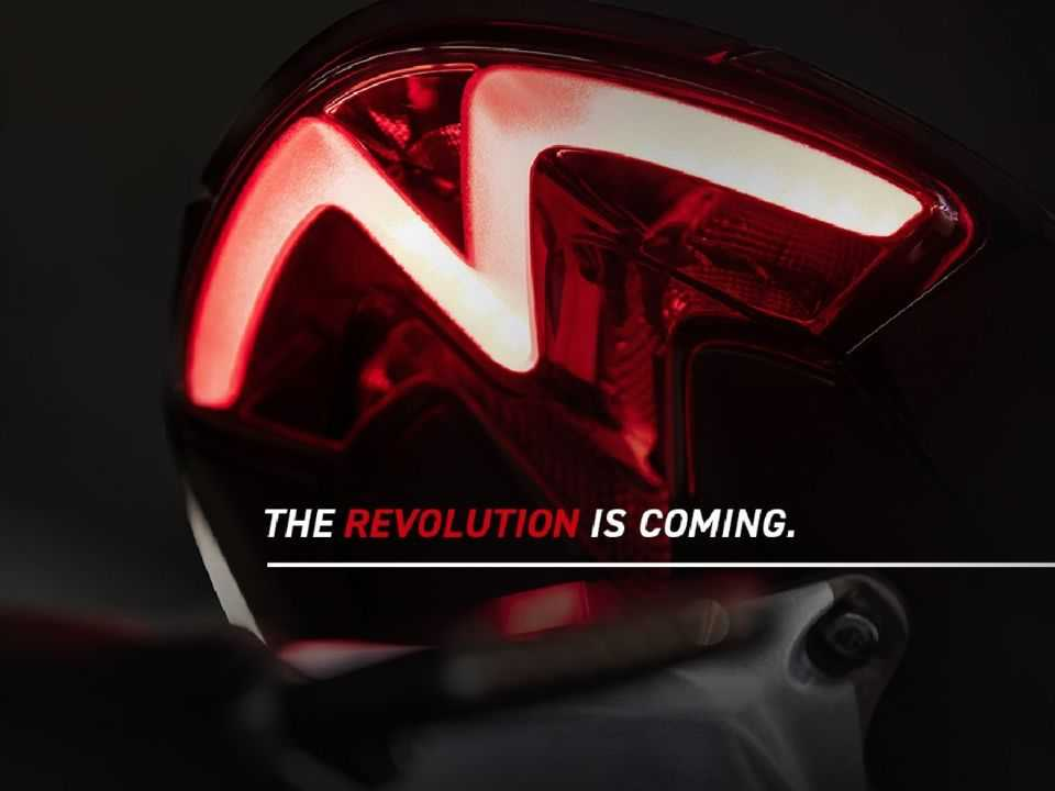 Teaser para a Triumph Speed Triple 1200 RS