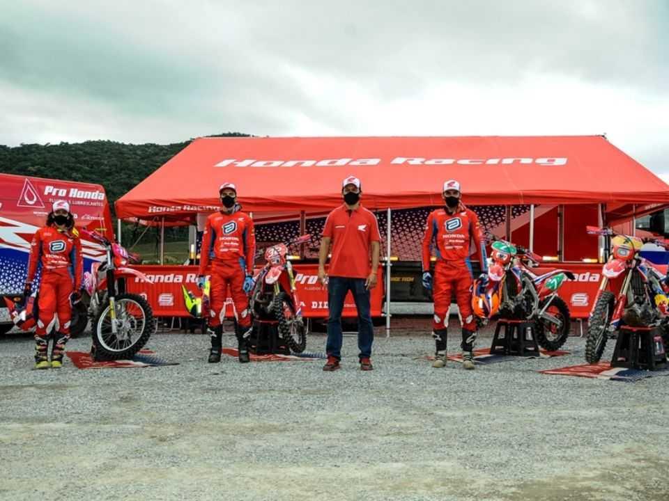 Equipe de Enduro da Honda Racing Brasil
