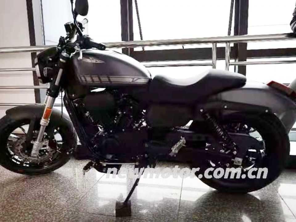 Flagra mostra a nova Harley-Davidson de entrada na China