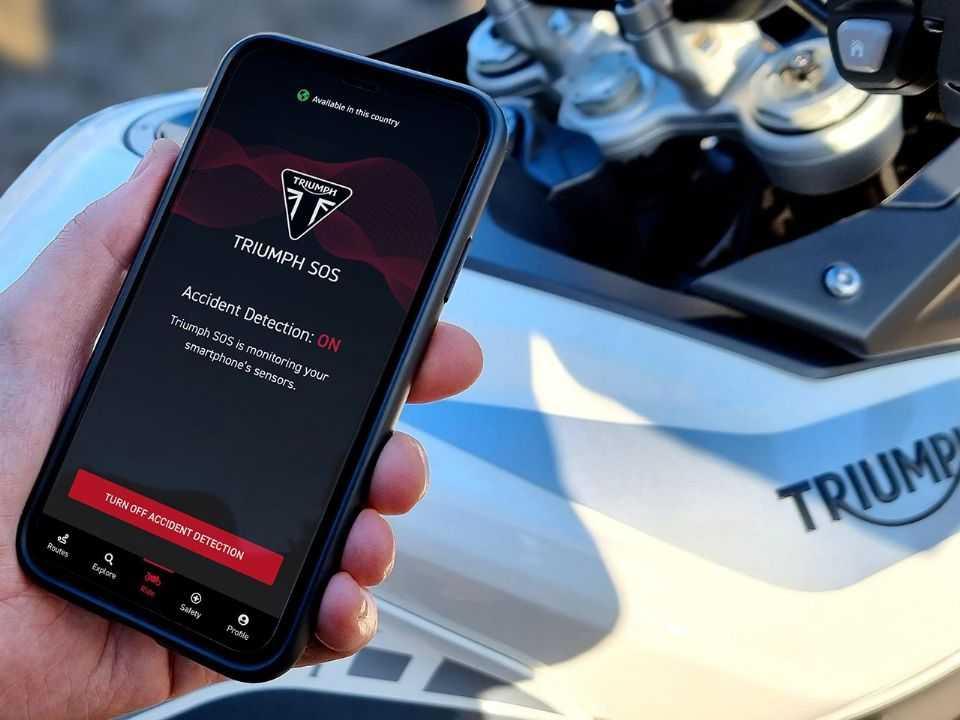 Triumph SOS: recurso utiliza apenas o smartphone do piloto
