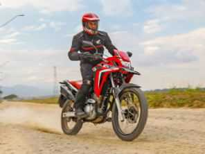 Honda XRE 300 2022 chega às lojas a partir de R$ 20,4 mil