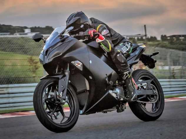 Kawasaki estuda moto híbrida com compressor elétrico