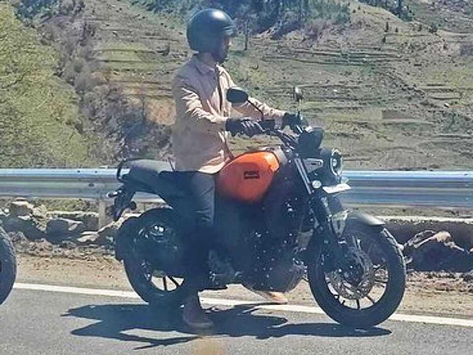 Yamaha FZ-X flagrada na Índia